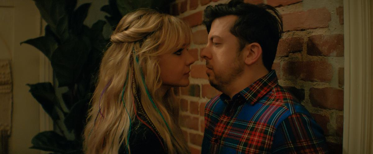Carey Mulligan (left) stars as Cassandra and Christopher Mintz-Plasse (right) stars as Neil in director Emerald Fennell's PROMISING YOUNG WOMAN. Cr: Focus Features