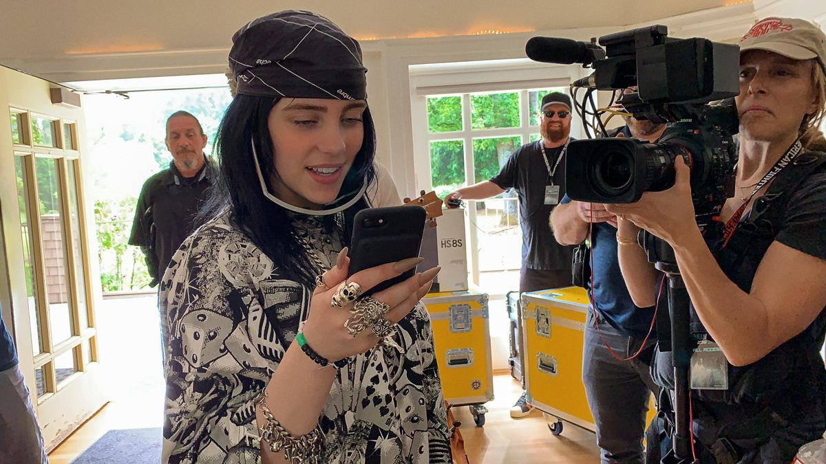 "Billie Eilish in ""Billie Eilish: The World's A Little Blurry."" Cr: Apple TV+"