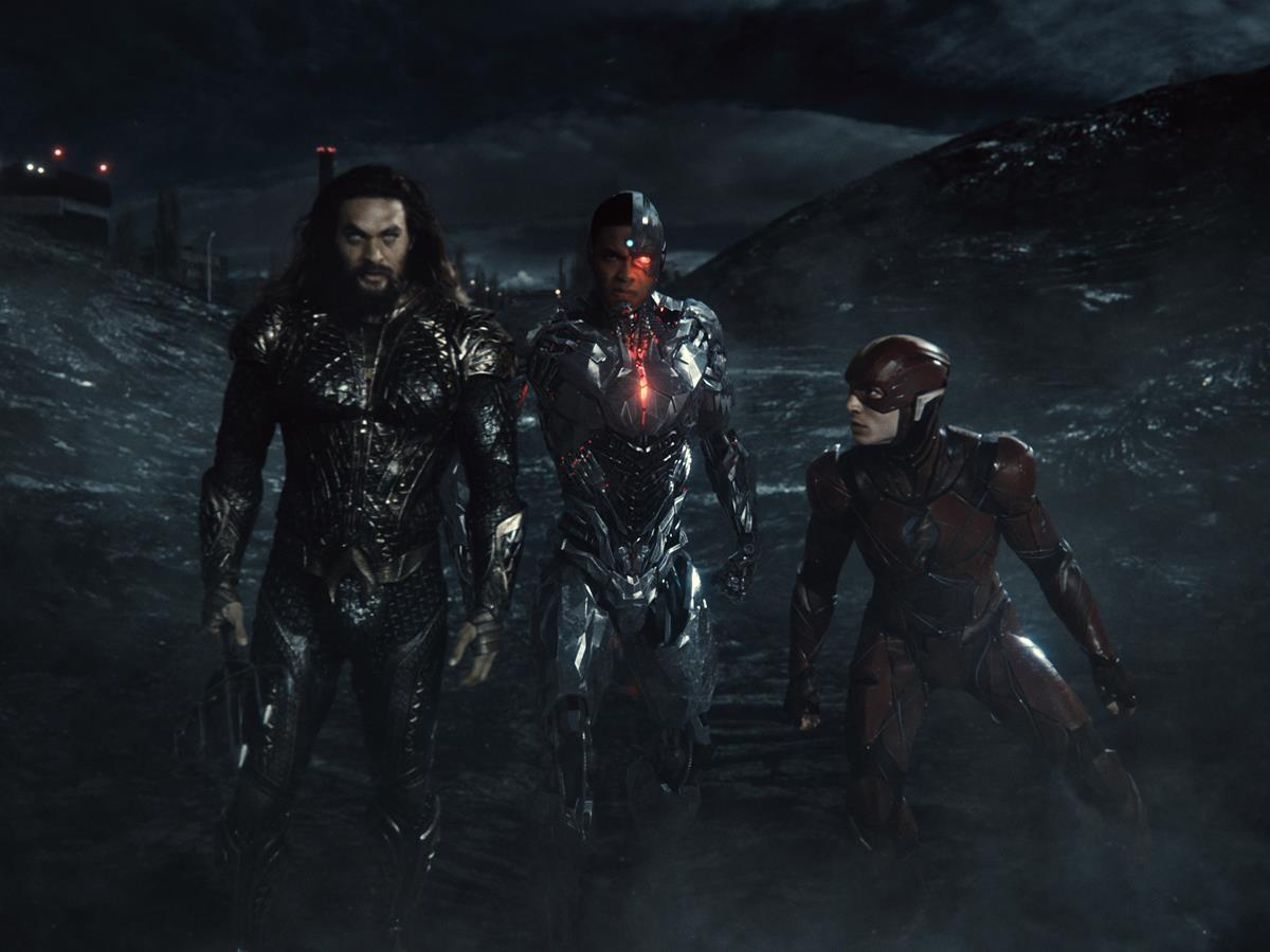 Jason Momoa as Aquaman/Arthur Curry, Ray Fisher as Cyborg/Victor Stone and Ezra Miller as The Flash/Barry Allen in ZACK SNYDER'S JUSTICE LEAGUE. Cr: HBO Max