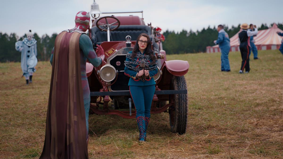 """(L-R): Paul Bettany as Vision and Kat Dennings as Darcy Lewis in """"WandaVision."""" Cr: Marvel Studios"""