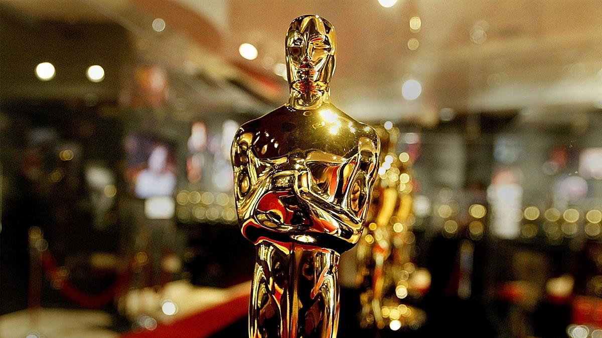 Close-up of Oscar statuette. Cr: Getty Images