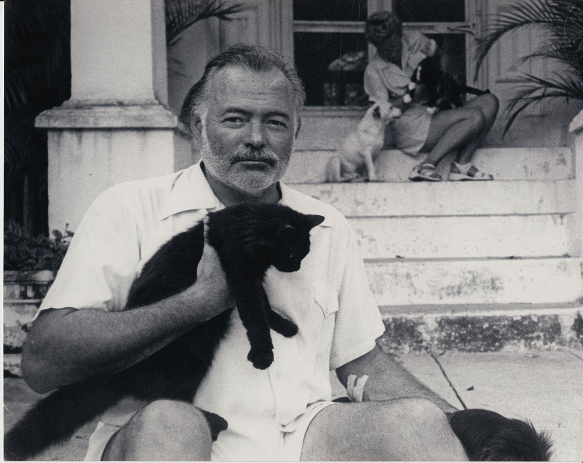 Ernest Hemingway with his fourth wife, Mary Welsh, at the Finca Vigia, Cuba, 1950s. Cr: A.E. Hotchner