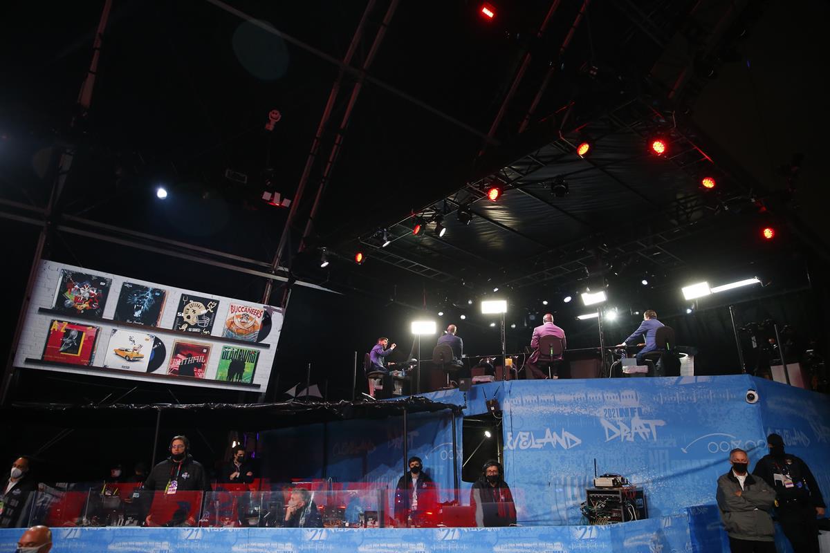 Mike Greenberg, Louis Riddick, Booger McFarland and Mel Kiper Jr on the ESPN set during the 2021 NFL Draft. Cr: Phil Ellsworth/ESPN Images