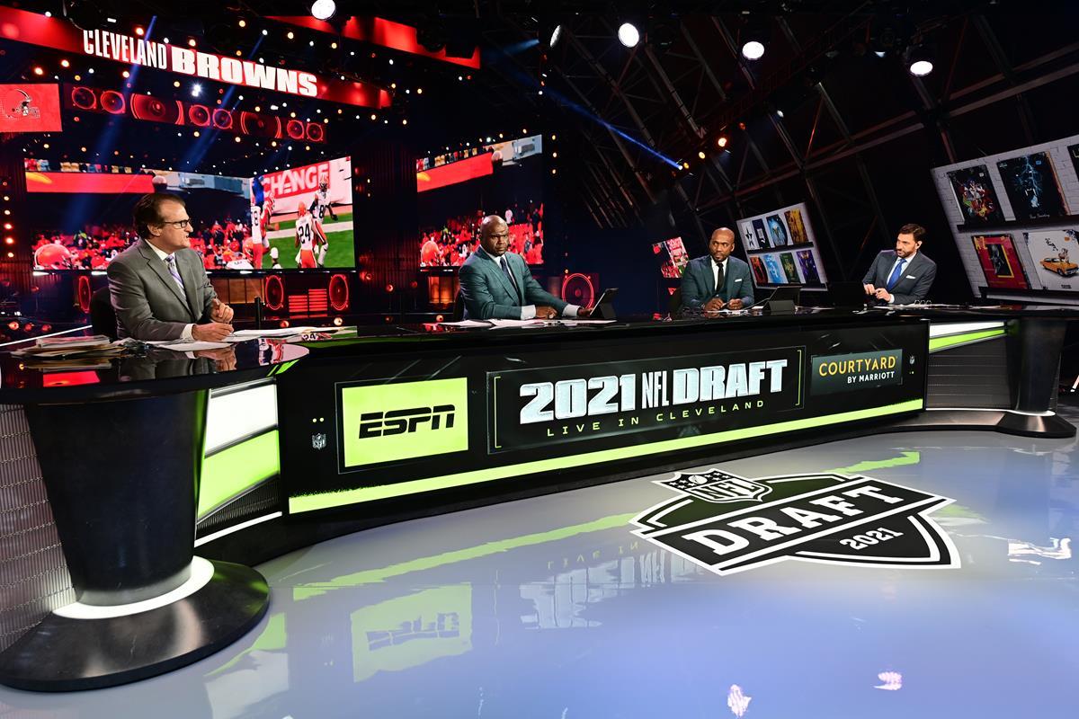 Mel Kiper Jr., Louis Riddick, Booger McFarland and Mike Greenberg on the ESPN set during the 2021 NFL Draft. Cr: Phil Ellsworth/ESPN Images
