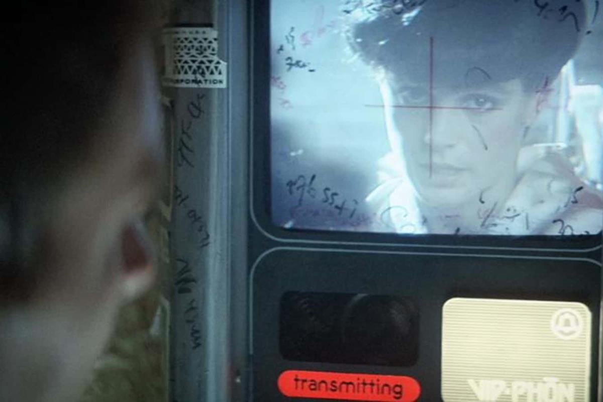 """The video phone in """"Blade Runner"""" (1982) directed by Ridley Scott. Cr: Warner Bros."""