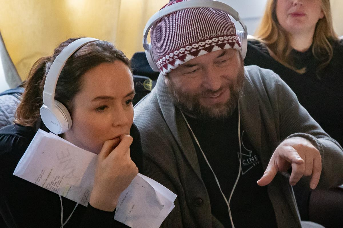 """Actor Valene Kane and director Timur Bekmambetov on the set of """"Profile."""" Cr: Rob Done/Focus Features"""