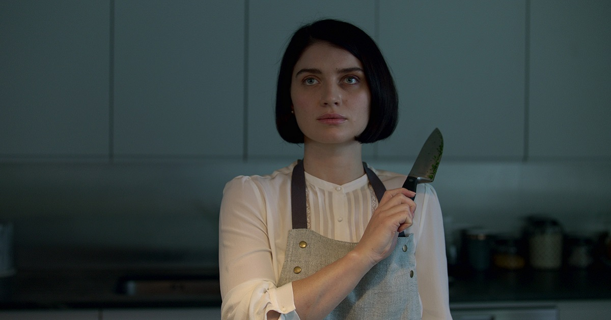 "Eve Hewson as Adele Ferguson in ""Behind Her Eyes."" Cr: Mark Mainz/Netflix"