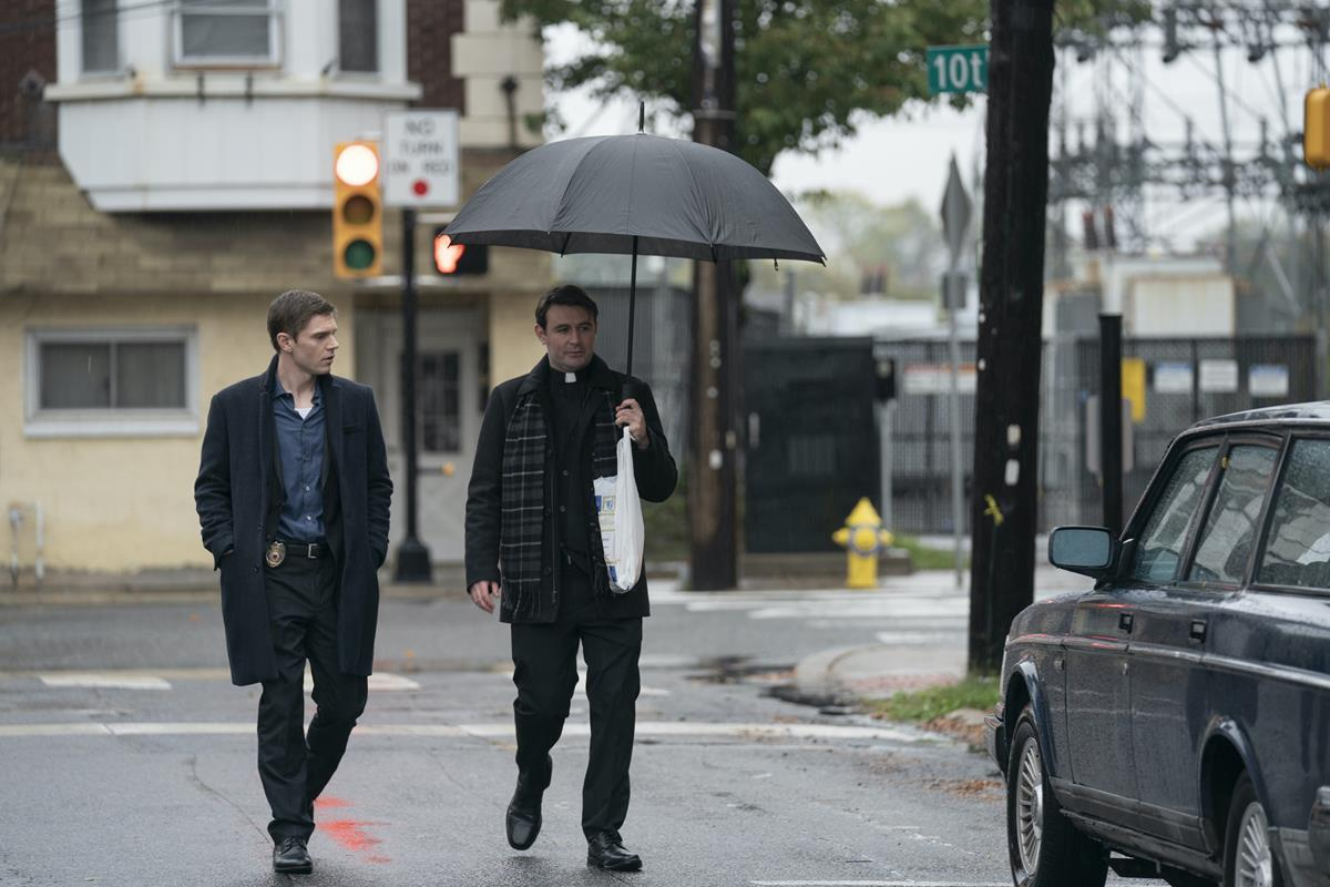 """Evan Peters and James McArdle in """"Mare of Easttown."""" Cr: HBO"""
