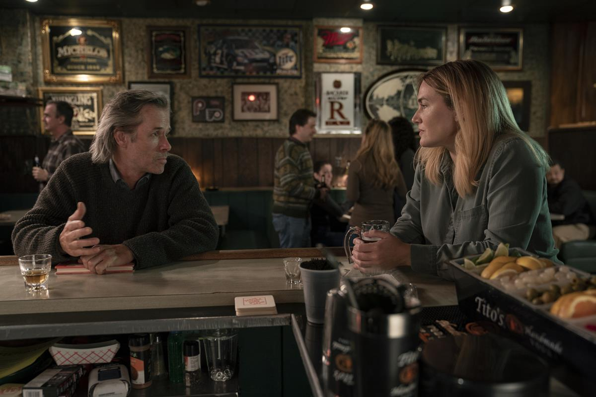 """Guy Pearce and Kate Winslet in """"Mare of Easttown."""" Cr: HBO"""