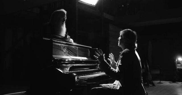 "Producer and interviewer Rick Rubin and Sir Paul McCartney in director Zachary Heinzerling's documentary series, ""McCartney 3, 2, 1."" Cr: Hulu"