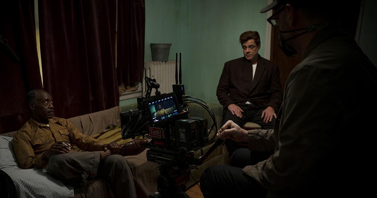 "Don Cheadle, Benicio Del Toro and director Steven Soderbergh on the set of HBO Max and Warner Bros. Pictures' crime drama ""No Sudden Move."" Cr: Claudette Barius/Warner Bros. Entertainm"