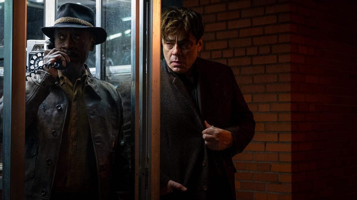 "Don Cheadle as Curtis Goynes and Benicio Del Toro as Ronald Russo in HBO Max and Warner Bros. Pictures' crime drama ""No Sudden Move."" Cr: Claudette Barius/Warner Bros."