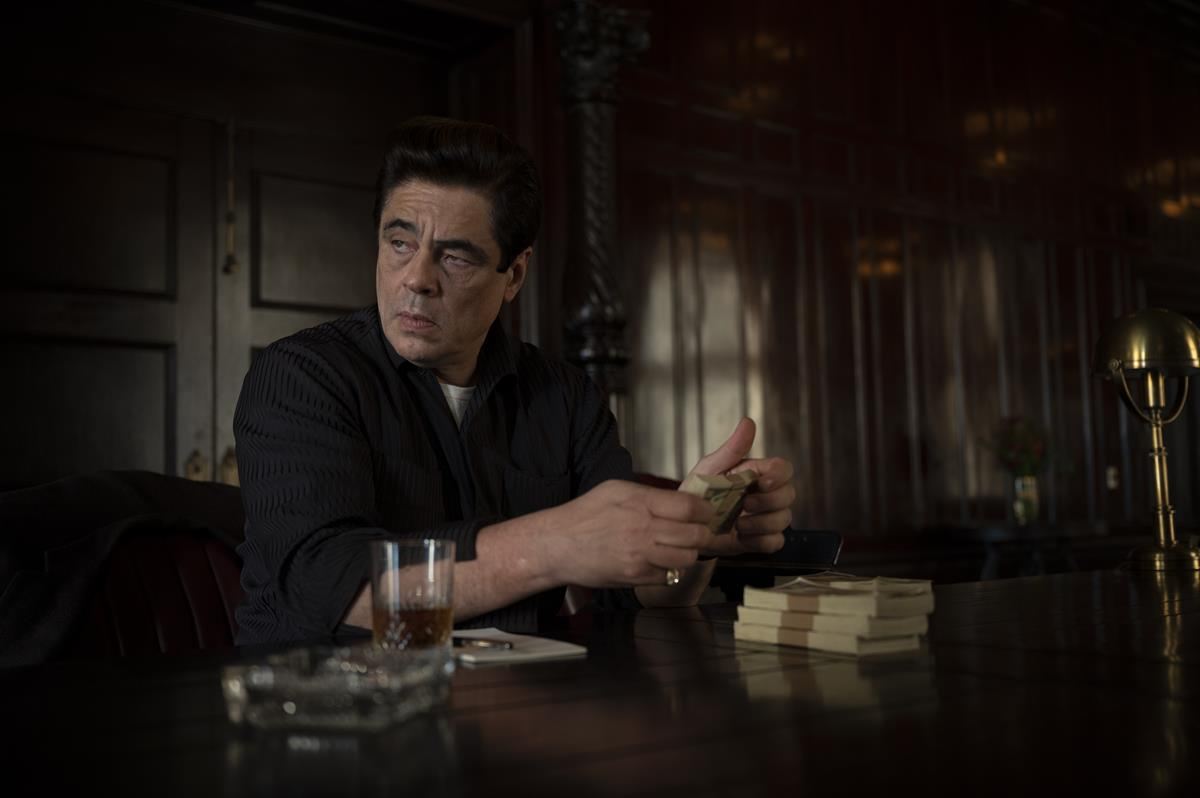 """Benicio Del Toro as Ronald Russo in HBO Max and Warner Bros. Pictures' crime drama """"No Sudden Move."""" Cr: Claudette Barius/Warner Bros."""