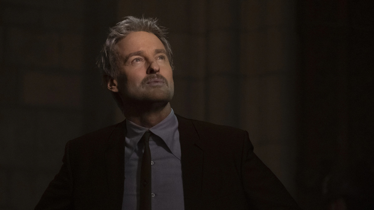 "Mobius (Owen Wilson) in Episode 1 of Marvel Studios' ""Loki."" Cr: Chuck Zlotnick/Marvel Studios"