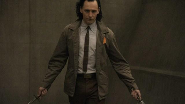 """Loki (Tom Hiddleston) in Episode 2 of Marvel Studios' """"Loki."""" Cr: Chuck Zlotnick/Marvel Studios"""