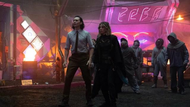 """Loki (Tom Hiddleston) and Sylvie (Sophia Di Martino) in Episode 3 of Marvel Studios' """"Loki."""" Cr: Chuck Zlotnick/Marvel Studios"""