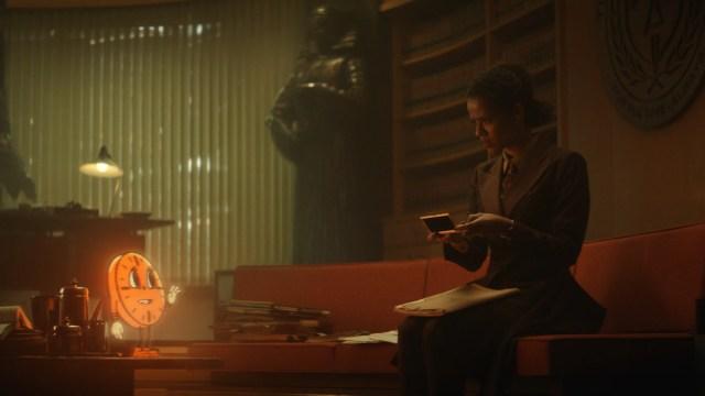 """Sylvie (Sophia Di Martino) and Loki (Tom Hiddleston) in Episode 6 of Marvel Studios' """"Loki."""" Cr: Marvel Studios"""