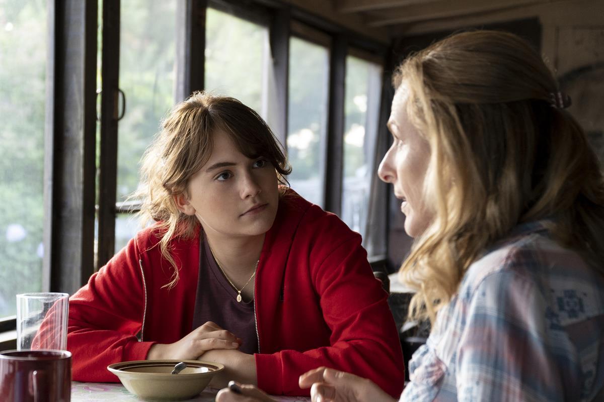 "Emilia Jones as Ruby Rossi and Marlee Matlin as Jackie Rossi in director Siân Heder's ""CODA."" Cr: Apple TV+"