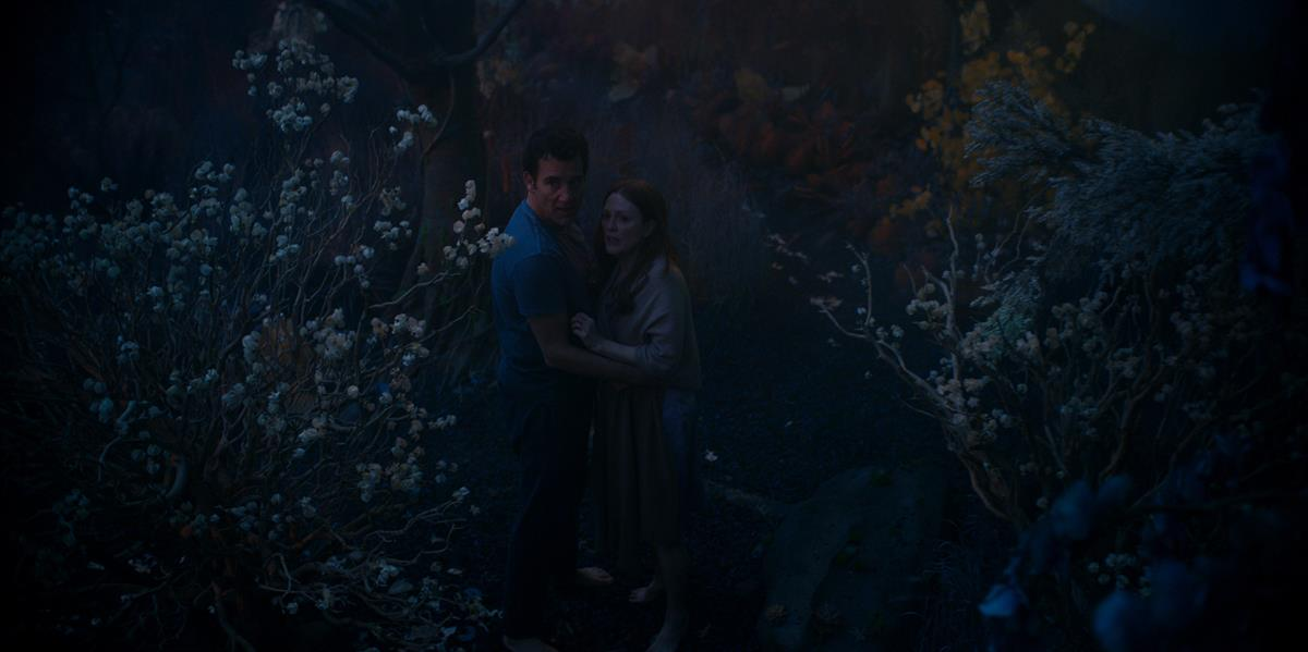 """Clive Owen and Julianne Moore in """"Lisey's Story,"""" now streaming on Apple TV+."""