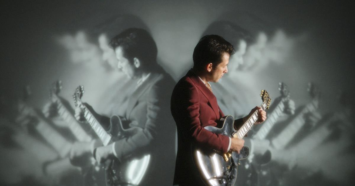 """Mark Ronson in """"Watch the Sound With Mark Ronson."""" Cr: Apple TV+"""