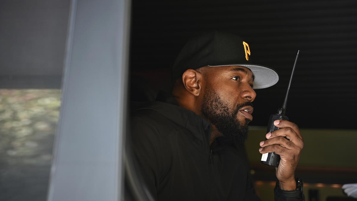 """Director Antoine Fuqua on the set of """"The Guilty."""" Cr: Netflix"""