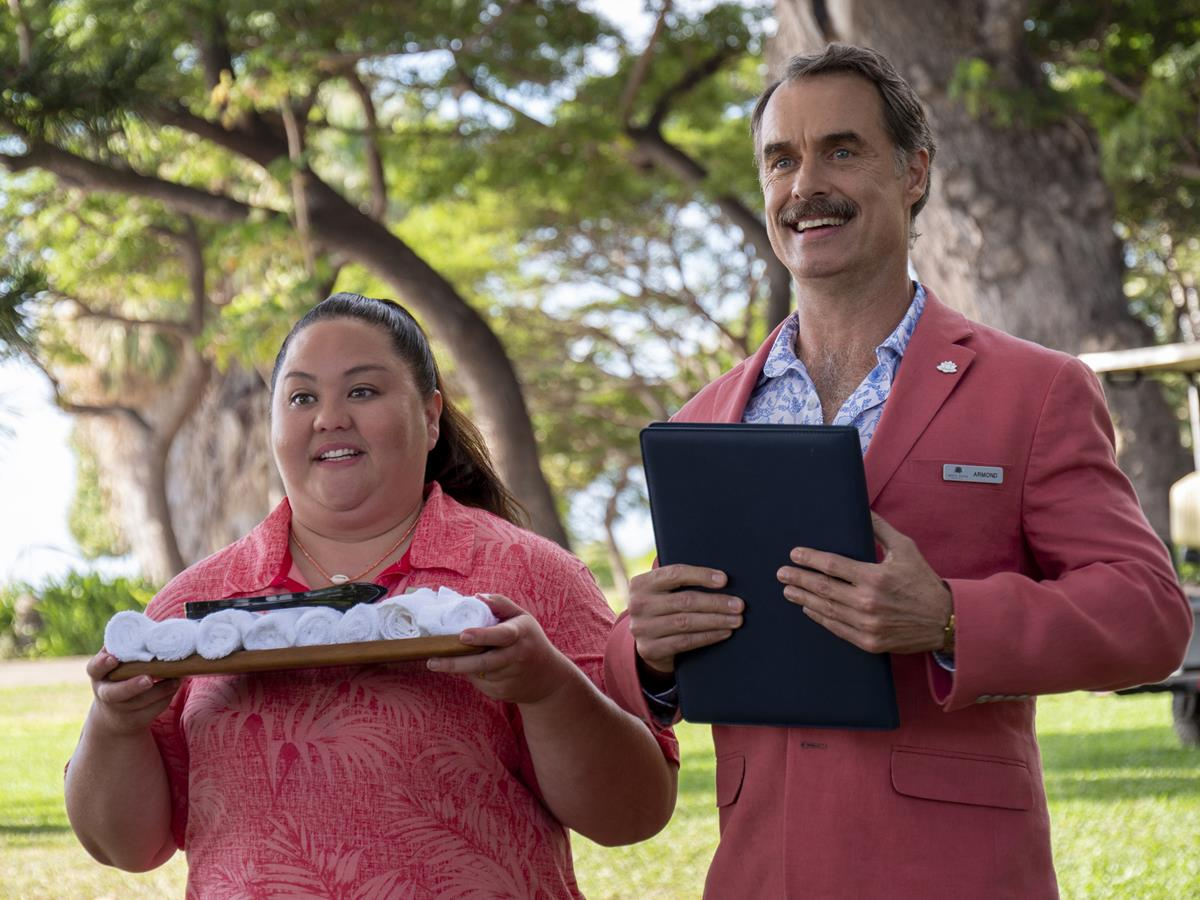 """Jolene Purdy as Lani and Murray Bartlett as Armond in Episode 1 of """"The White Lotus."""" Cr: HBO"""