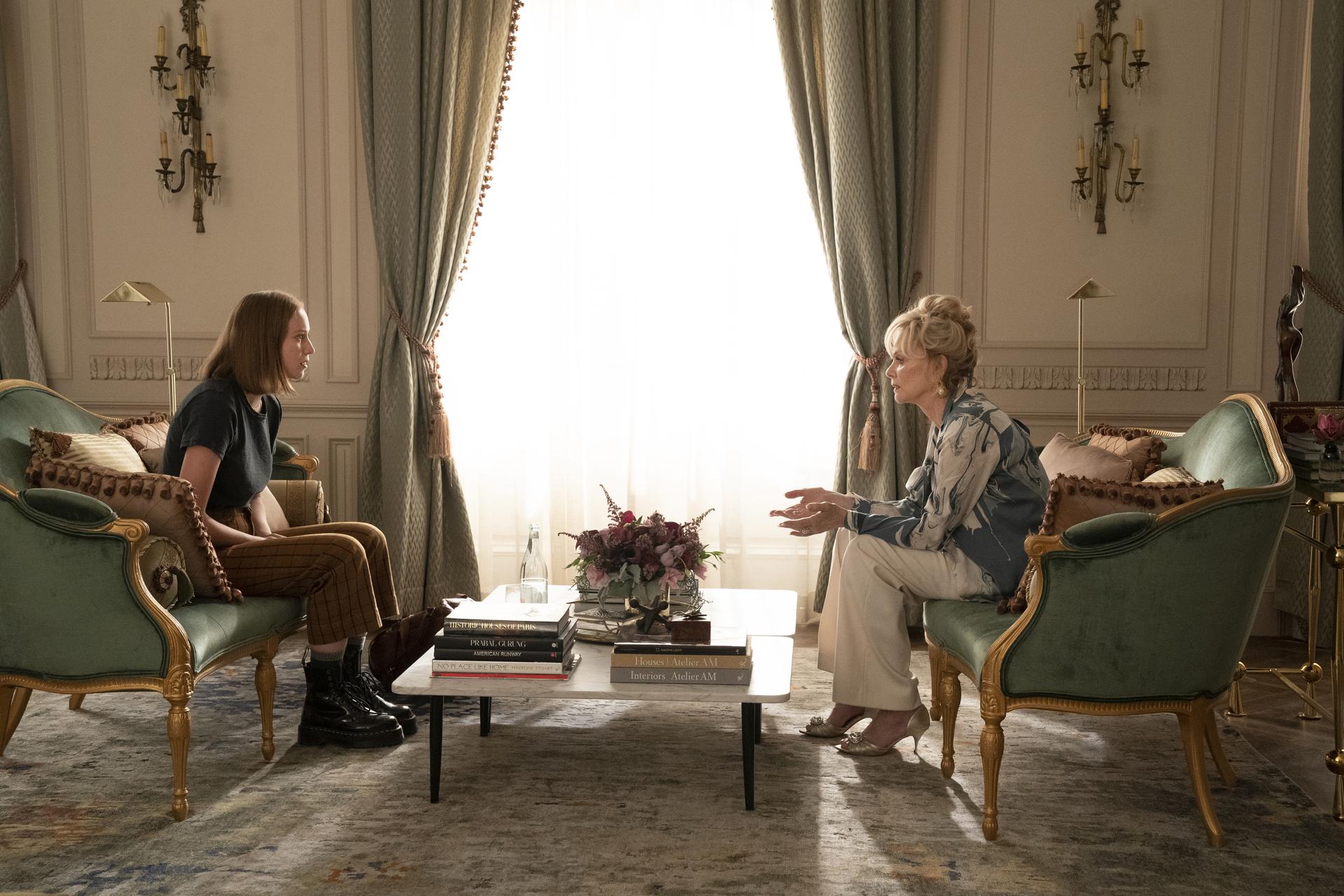 """Hannah Einbinder as Ava and Jean Smart as Deborah Vance in """"Hacks."""" Cr: Warner Media"""