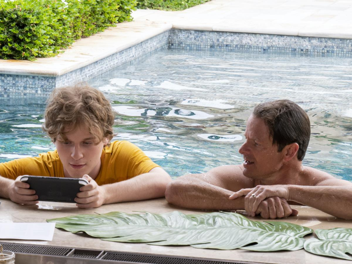 """Fred Hechinger as Quinn Mossbacher and Steve Zahn as Mark Mossbacher in Episode 2 of """"The White Lotus."""" Cr: HBO"""