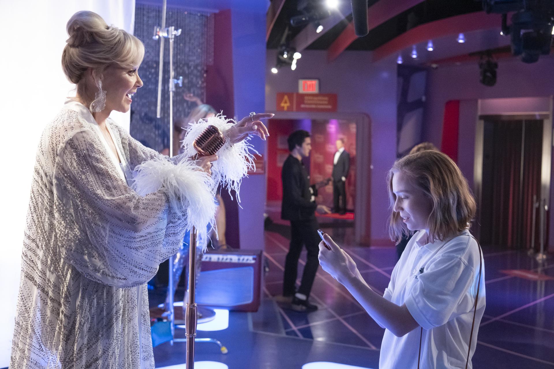 """Jean Smart as Deborah Vance and Hannah Einbinder as Ava in """"Hacks."""" Cr: Warner Media"""