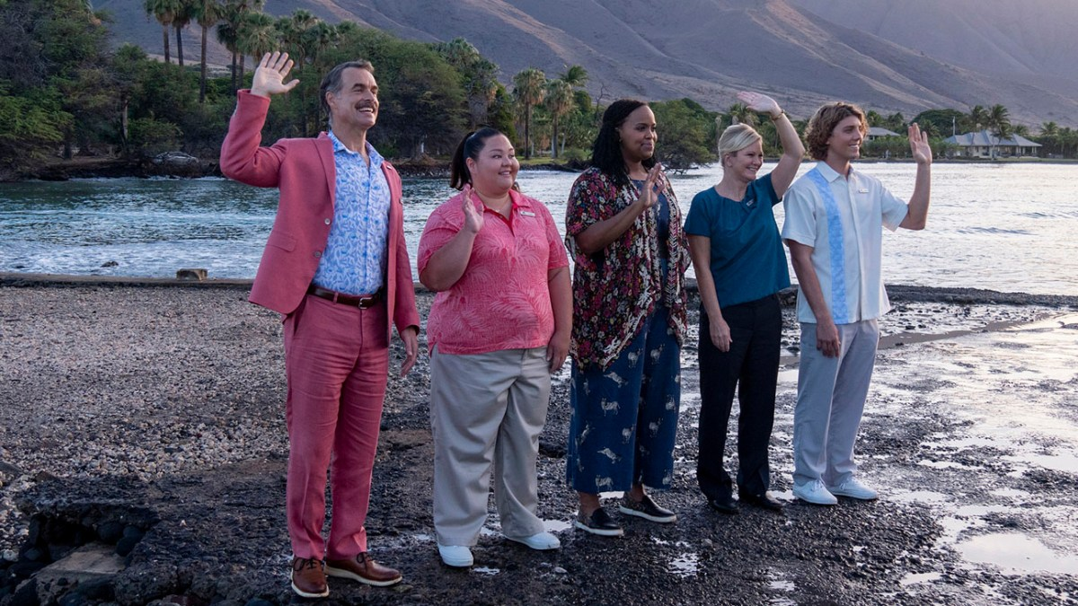 """Murray Bartlett as Armond, Jolene Purdy as Lani, Natasha Rothwell as Belinda Lindsay, and Lukas Gage as Dillon in Episode 1 of """"The White Lotus."""" Cr: Hulu"""