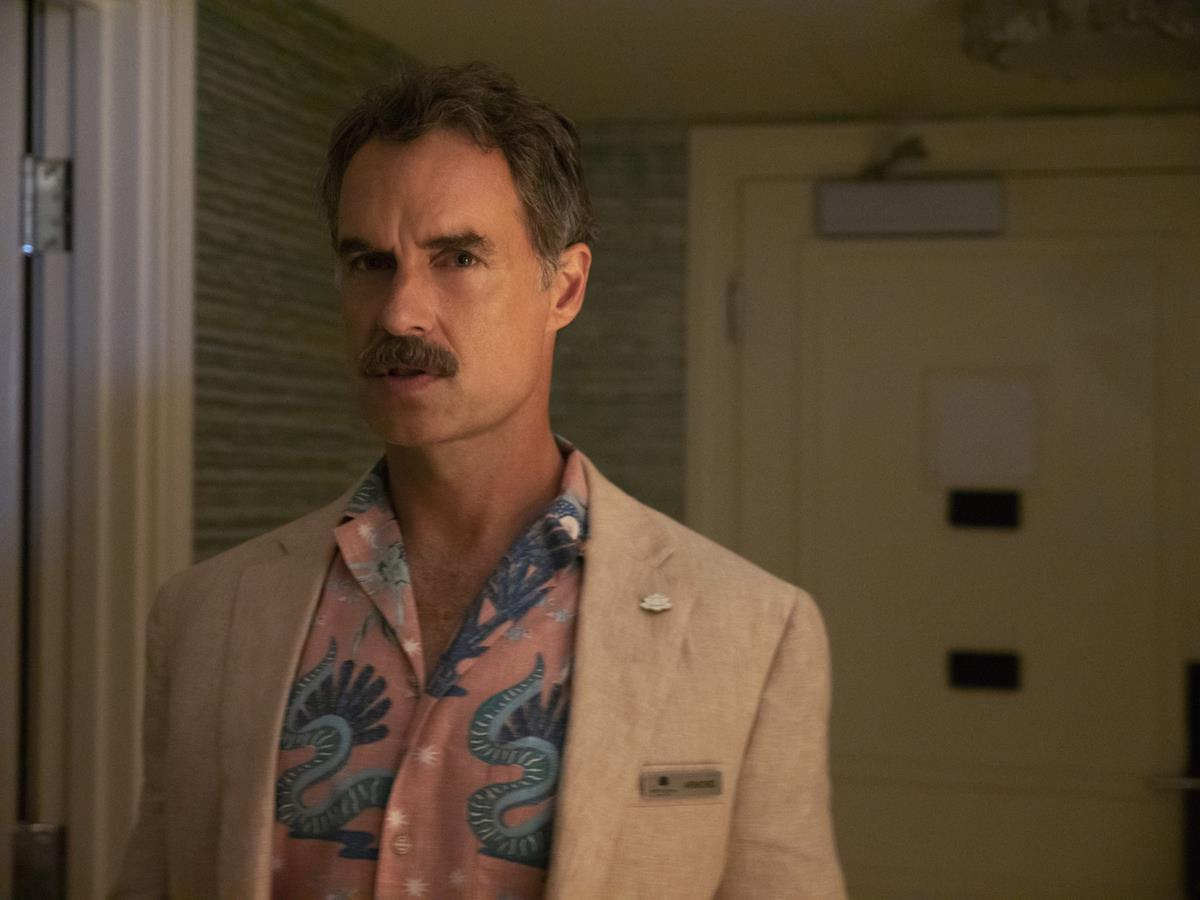 """Murray Bartlett as Armond in Episode 6 of """"The White Lotus."""" Cr: HBO"""