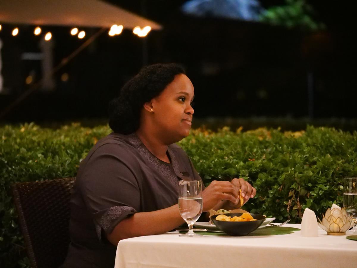 "Natasha Rothwell as Belinda Lindsay in Episode 2 of ""The White Lotus."" Cr: HBO"