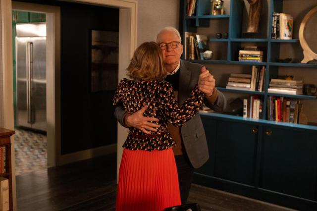"""Amy Ryan as Jan and Steve Martin as Charles in Episode 7 of """"Only Murders in the Building."""" Cr: Hulu"""