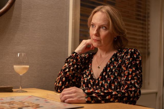 """Amy Ryan as Jan in Episode 7 of """"Only Murders in the Building."""" Cr: Hulu"""