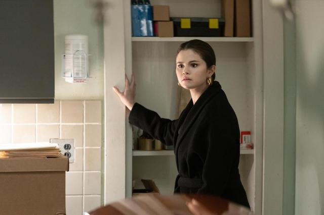 """Selena Gomez as Mabel Mora in Episode 7 of """"Only Murders in the Building."""" Cr: Hulu"""