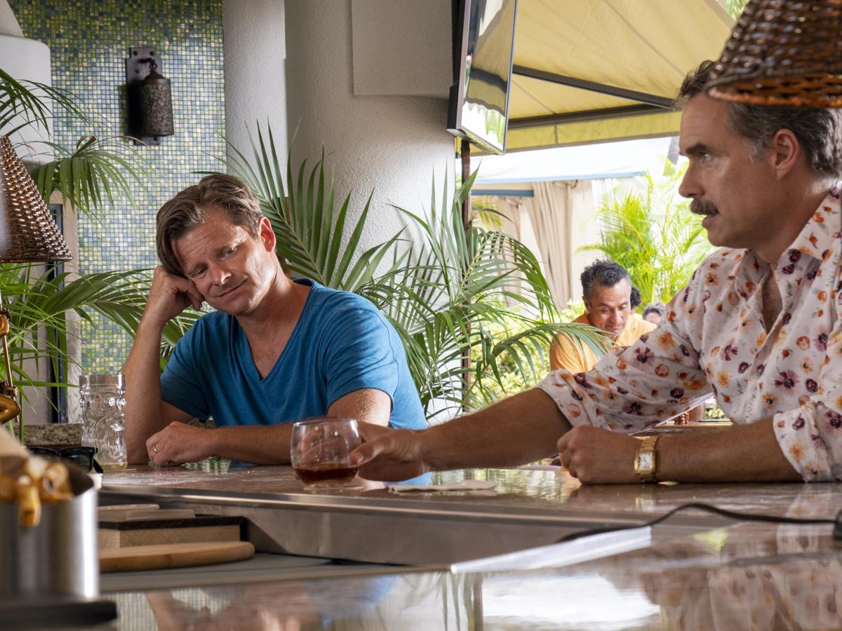 """Steve Zahn as Mark Mossbacher and Murray Bartlett as Armond in Episode 3 of """"The White Lotus."""" Cr: HBO"""