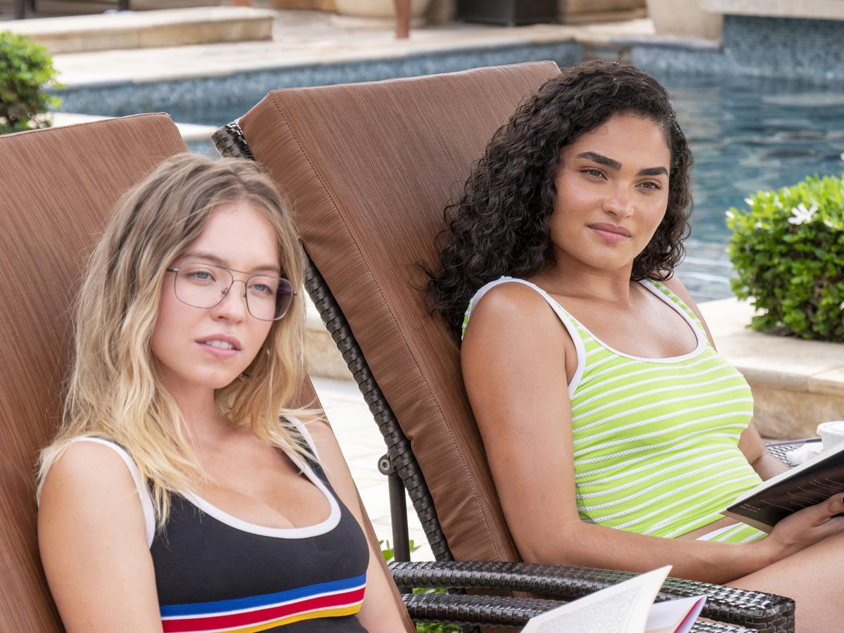 """Sydney Sweeney as Olivia Mossbacher and Brittany O'Grady as Paula in Episode 1 of """"The White Lotus."""" Cr: HBO"""